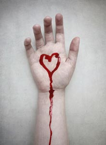 сердце болит